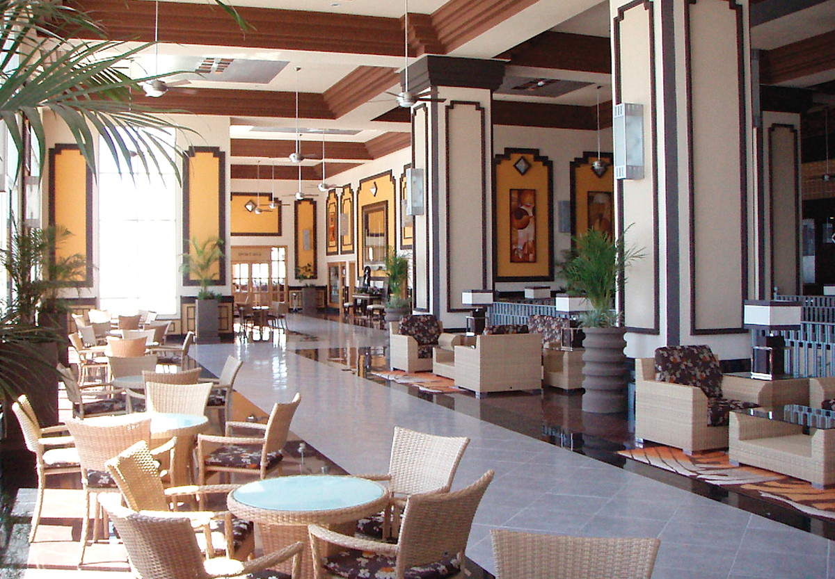The sparkling clean lobby. Photo courtesy of Hotel Riu Emerald Bay Resort.