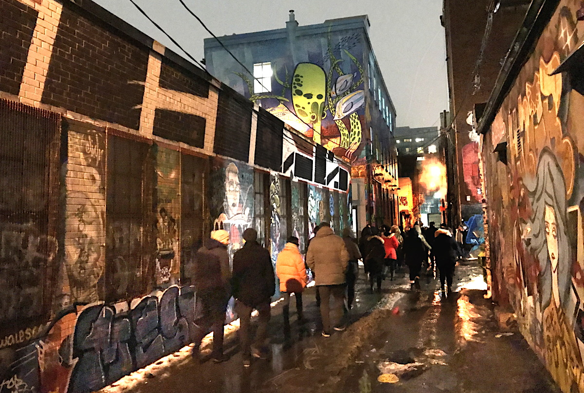 Busabout gave travel agents a taste of their graffiti tours in Berlin by touring Toronto's famous Graffiti Alley.