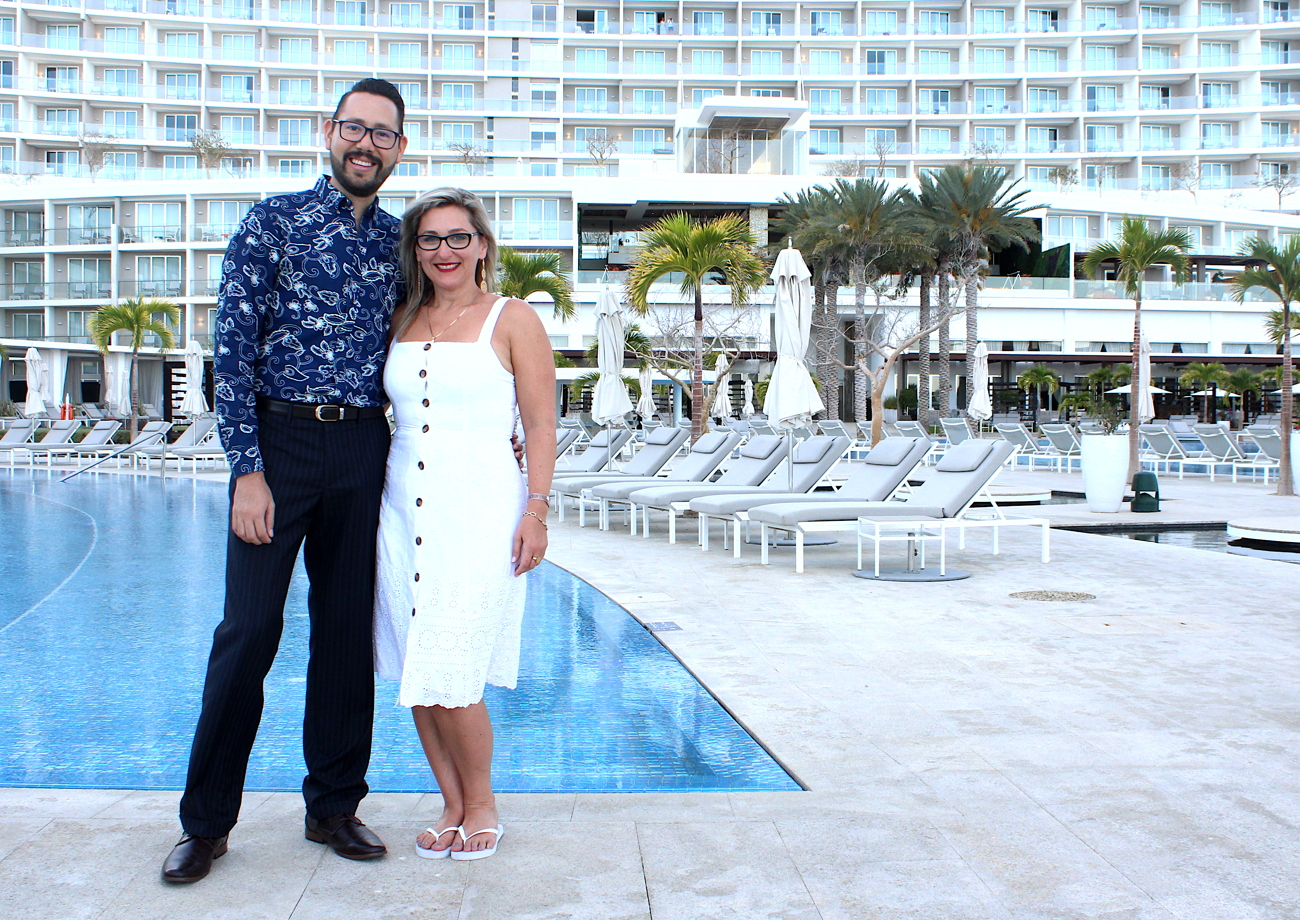 TEAMWORK. From left: Victor Vargas, director of sales & groups at Le Blanc Spa Resort Los Cabos and Diana Winters, BDM, Ontario, at Palace Resorts.