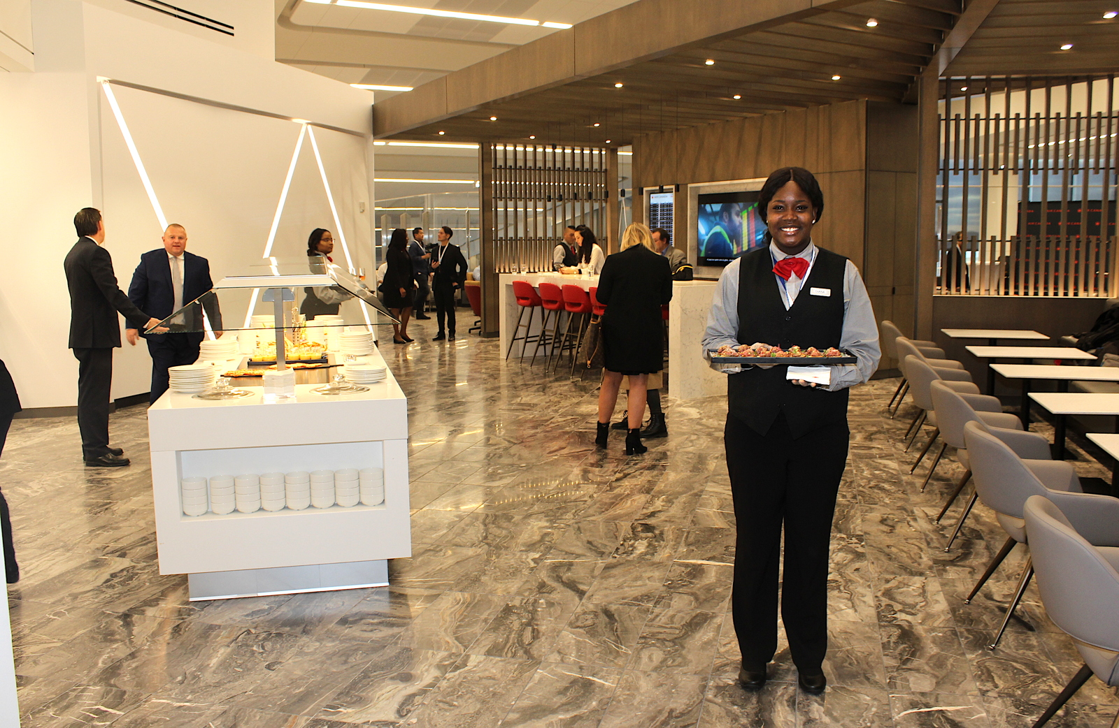 Welcome to the new LaGuardia Maple Leaf Lounge, now open on Level Two at LGA's Terminal B concourse.