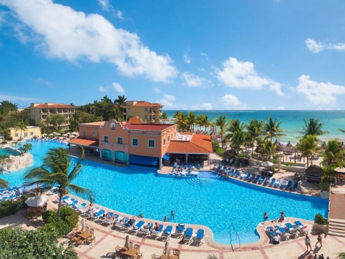 Sunwing offers fun-filled family vacations in Riviera Maya