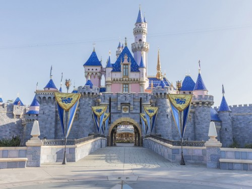 COVID-19: Disneyland to close temporarily
